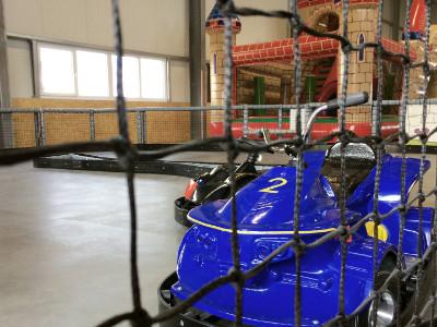 Kinder E-Kart-Bahn in der DingoBurg Dingolfing - Indoorspielplatz für Kinder